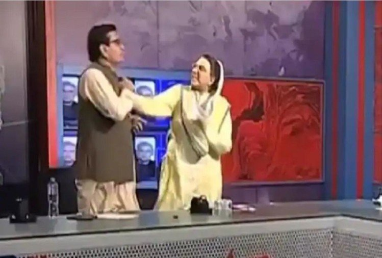 On LIVE TV, the leader of Pakistan gave a slap to the MP